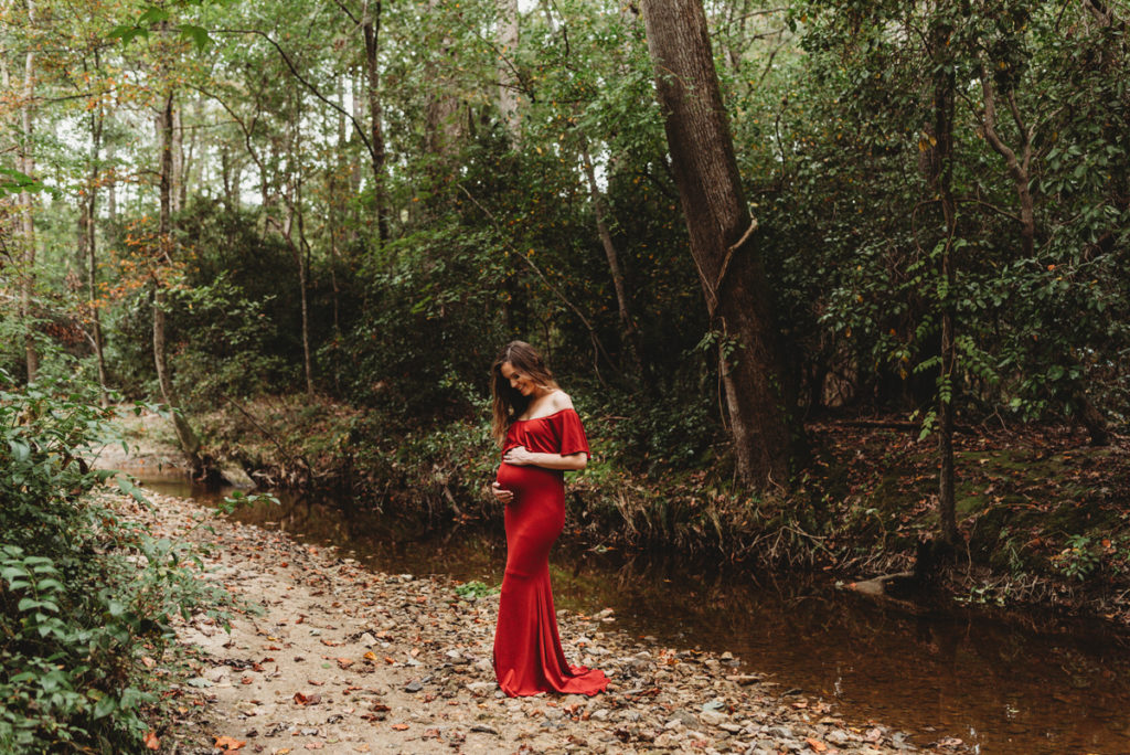 creekside maternity session