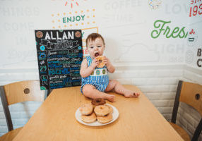 krispy kreme first birthday shoot_014